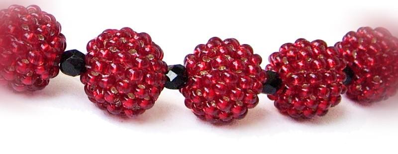 Чтобы научиться оплетению бусин мозаичным плетением, нам понадобятся.  Бисер 10 2-х цветов (в нашем примере...